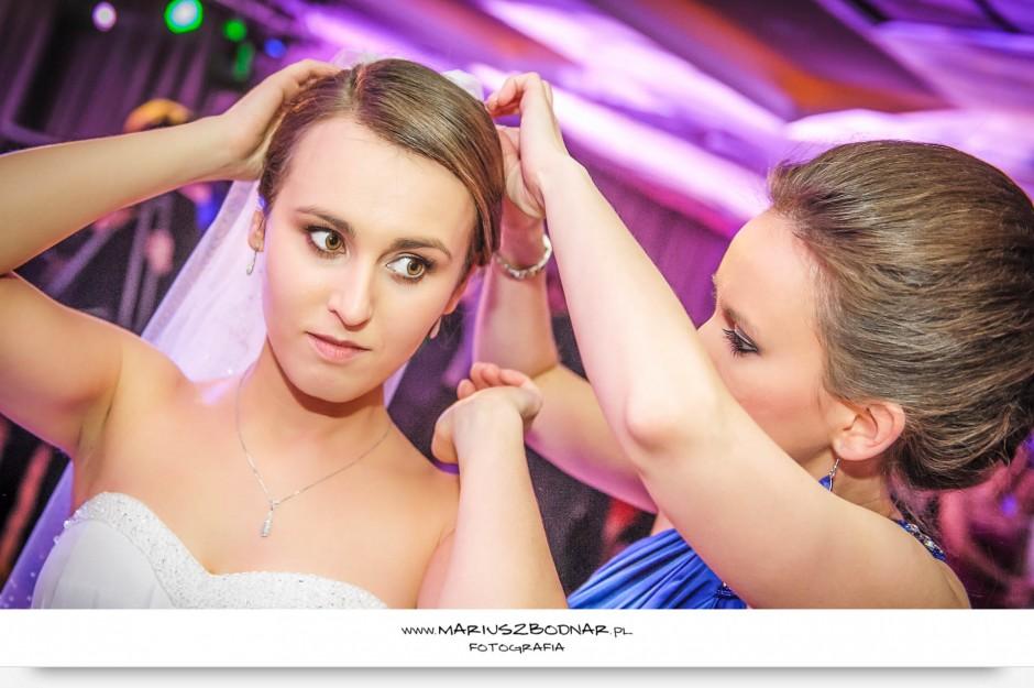panna młoda na oczepinach fotograf ślubny