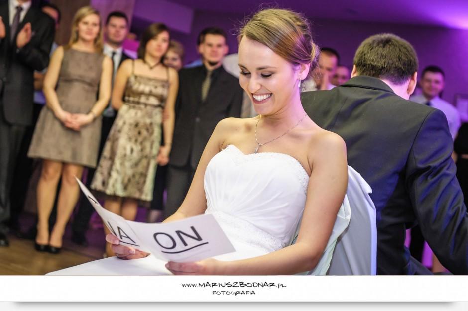 zdjęcia ślubne na weselu