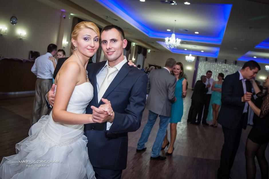 młodzi na weselu