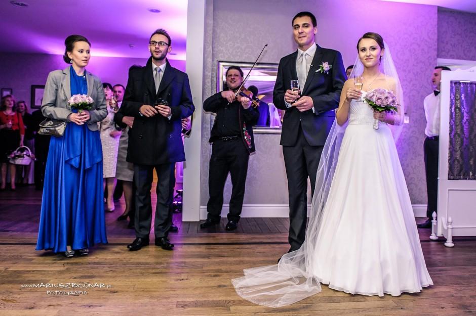 zdjęcie ślubne na weselu